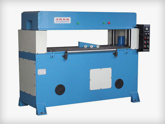 Precision four column hydraulic cutting machine with high stroke